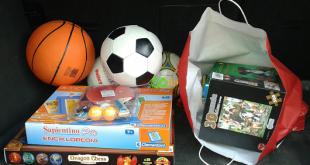 Könyvekkel és játékokkal karácsonyra